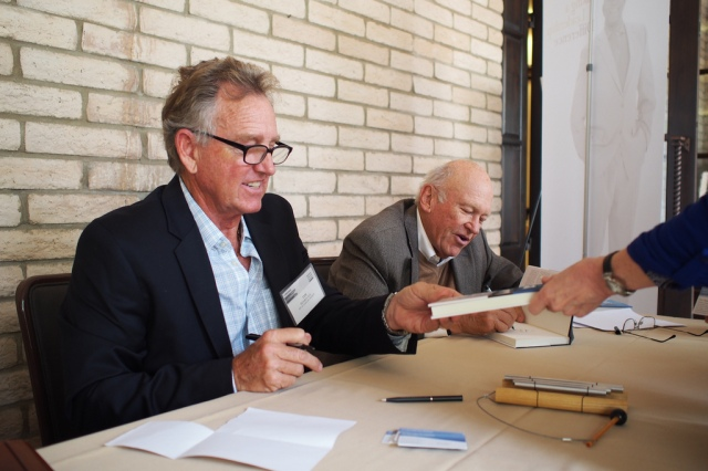 Ken Blanchard and Tim Kearin sign copies of Fit At Last at the 2014 Blanchard Channel Partner Conference